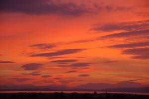 Sonnenuntergang - Blick von unserem Weingut